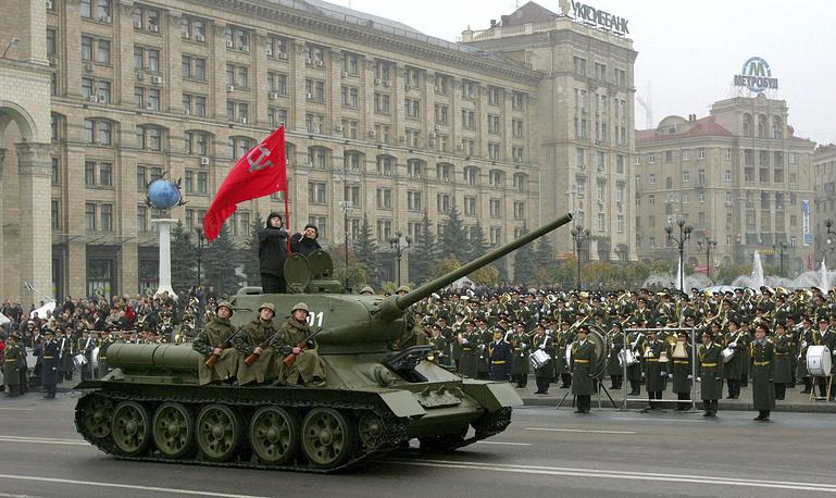 Военный парад в Киеве, 28 октября 2004 год