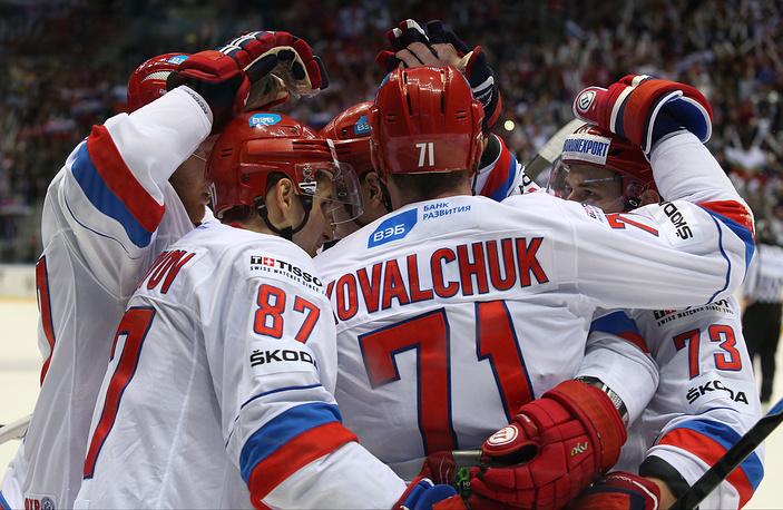 На домашнем этапе Евротура сборная России одержала вторую победу подряд. Ранее команда Олега Знарка переиграла финнов (2:0)