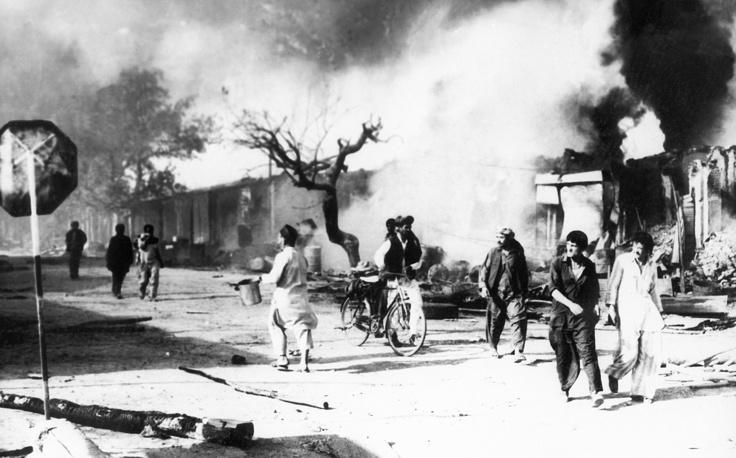 Разрушенный в ходе войны город Джелалабад. 1989 год.