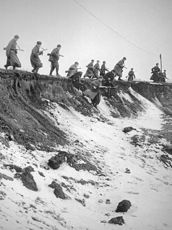 Советские пехотинцы во время боев за Восточную Пруссию