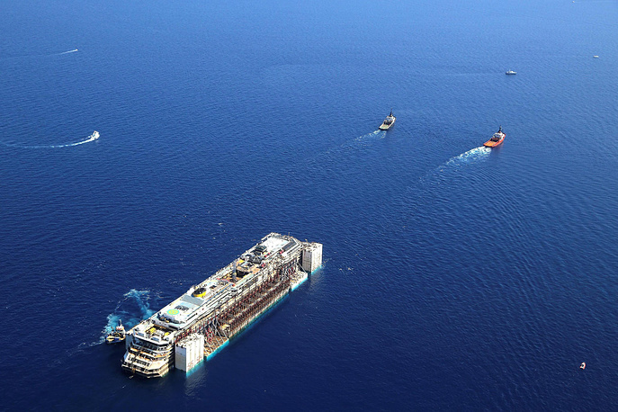 Сейчас Costa Concordia находится на утилизации