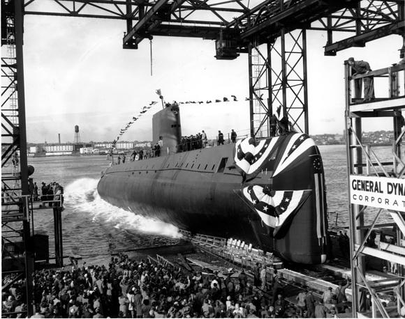 Спуск на воду первой в мире атомной подводной лодки USS Nautilus (SSN-571), 21 января 1954 года