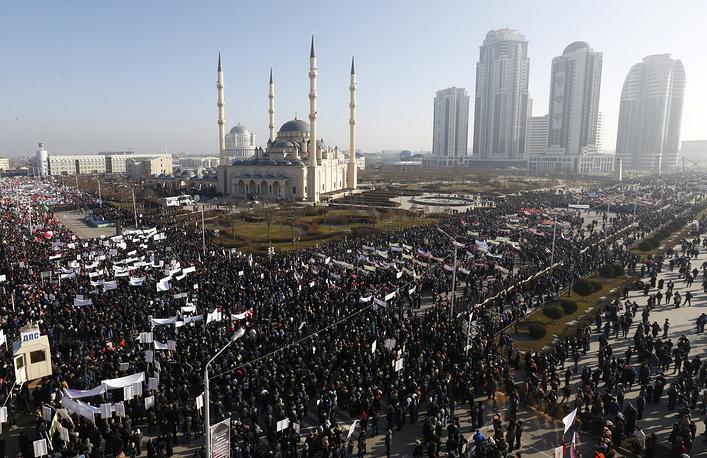 """19 января в Грозном состоялась акция """"Любовь к пророку Мухаммеду"""" в защиту исламских ценностей, против карикатур на пророка"""