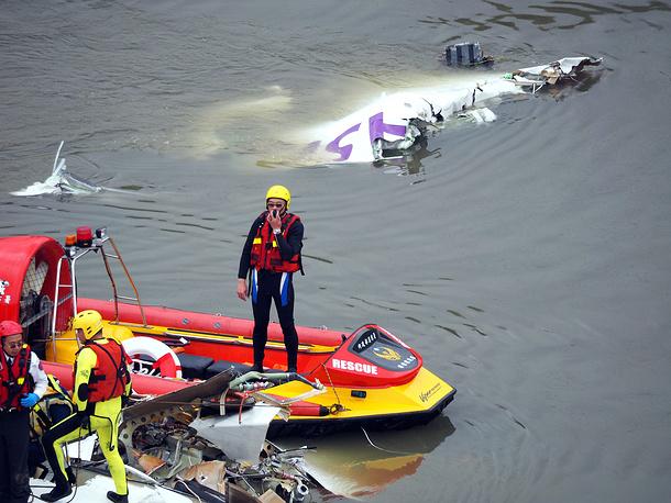 К настоящему времени число жертв авиакатастрофы возросло до 26 человек