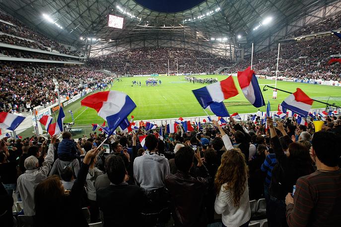 """Стадион """"Велодром"""" (Stade Velodrome), располагается во французском городе Марсель. На арене пройдут матчи чемпионата Европы 2016 года. Вместимость: 67,3 тыс. зрителей. Домашняя арена клуба """"Марсель"""". Стадион был открыт после реконструкции в октябре 2014 года"""