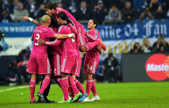 """Мадридский клуб повторил рекорд немецкой """"Баварии"""", одержав 10-ю кряду победу в Лиге чемпионов"""
