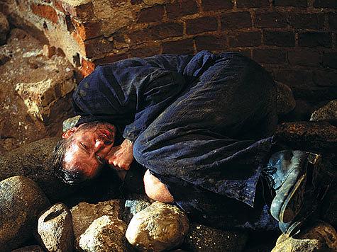 """Кадр из фильма """"Побег"""", 2005 год. Тема: современные герои в борьбе с преступностью и коррупцией"""
