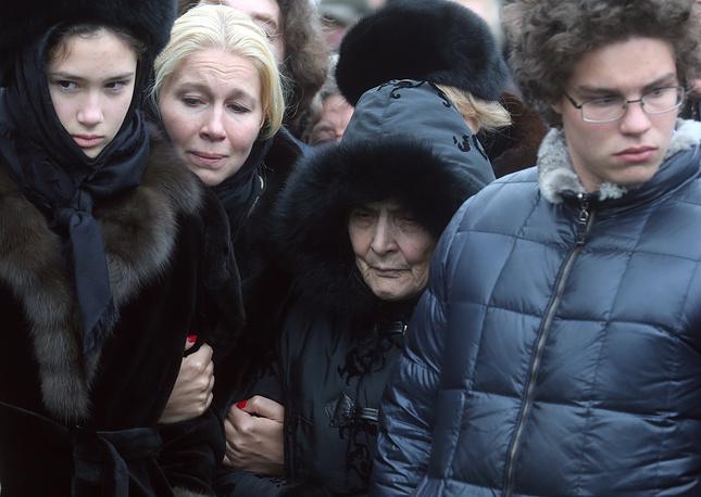 Дочь Бориса Немцова Дина, журналистка Екатерина Одинцова, мать Немцова Дина Эйдман и сын Антон (слева направо)