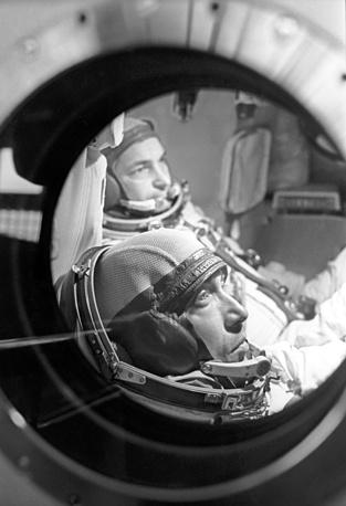 Космонавты Валерий Быковский и Владимир Аксенов в Центре подготовки космонавтов имени Ю.А.Гагарина, 1976 год