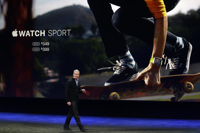 Со временем Apple Watch запоминают ваш режим и физический уровень и используют эту информацию для более точной статистики и выбора целей именно для вас. Устройство даже отправляет персональные уведомления, чтобы мотивировать вас