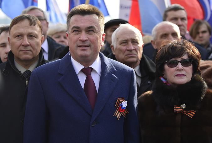 Губернатор Приморского края Владимир Миклушевский на митинге, посвященном годовщине присоединения Крыма к России