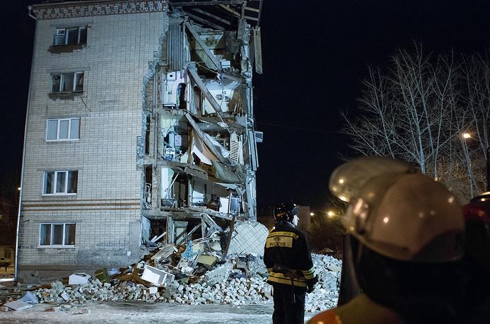 В результате частичного обрушения пятиэтажного дома в Тюмени пострадали три человека