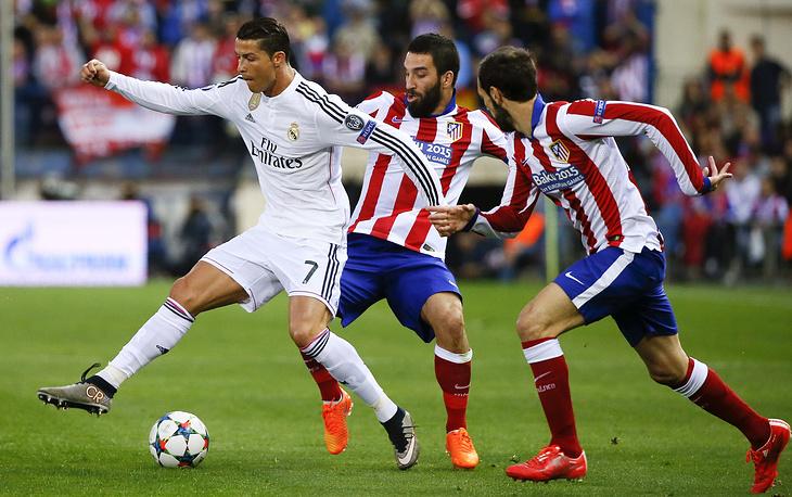 """""""Атлетико"""" и """"Реал"""" не сумели выявить победителя и порадовать зрителей голами. Но встреча была крайне интересной - в первой половине больше шансов на успех было у гостей; после перерыва хозяева перевели игру на половину поля соперника"""