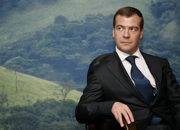 Премьер-министр России Дмитрий Медведев заработал в 2014 году 8 млн 51 тыс. 573 руб. (в 2013 году 4 млн 259 тыс. 525 рублей)