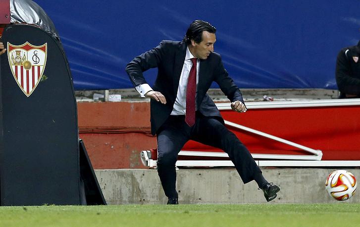Обработка мяча в исполнении наставника испанской команды Унаи Эмери