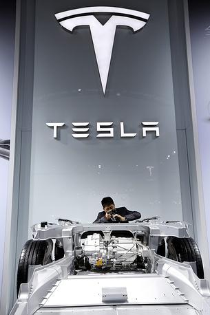 Двигатель Tesla