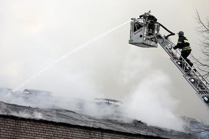 Тушение пожара на складе в Москве