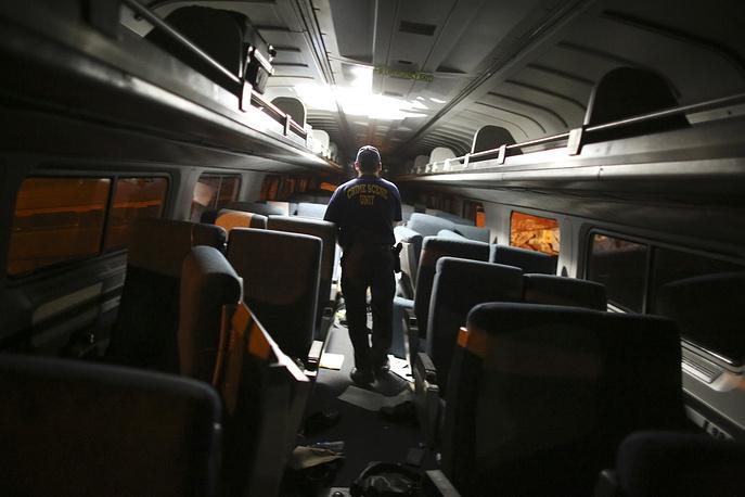 Вечером 12 мая в Филадельфии произошла авария пассажирского поезда, следовавшего из Вашингтона в Нью-Йорк