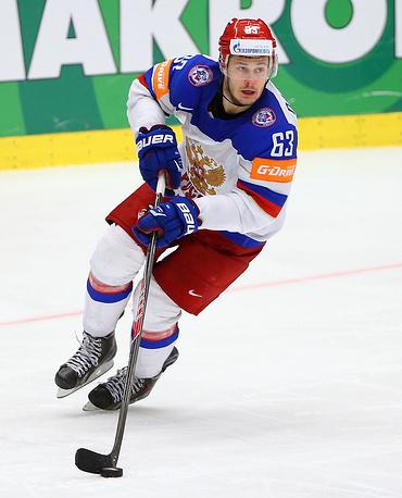 Одним из самых результативных игроков сборной России на чемпионате мира является форвард Евгений Дадонов. На его счету 11 очков за результативность (4 шайбы плюс 7 передач)