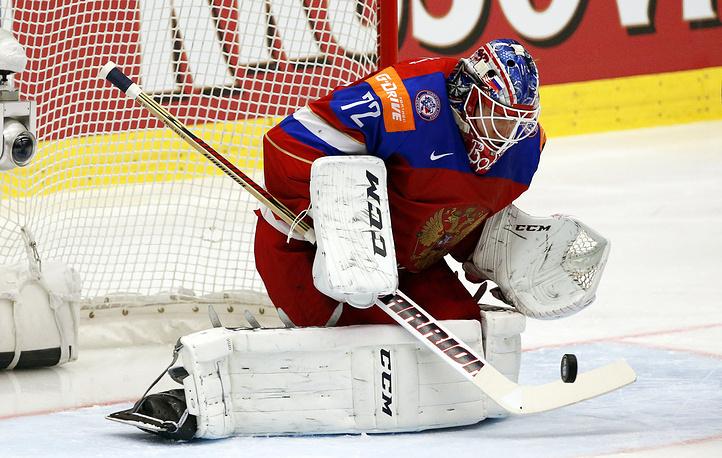 Вратарь сборной России Сергей Бобровский выручил команду в ряде непростых моментов