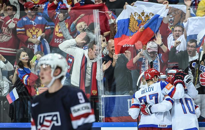 Ликование игроков сборной России и разочарование американских хоккеистов