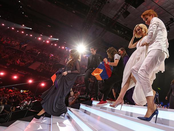 Алла Пугачева поздравила российскую певицу с выходом в финал конкурса