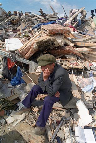 В зоне землетрясения находились около 55,4 тыс. человек
