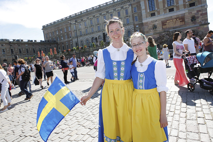 Гости и зрители церемонии в Стокгольме