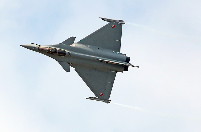 The Dassault made Rafale performs its demonstration flight