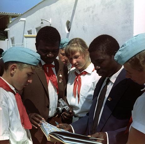 Беседа с друзьями из Конго, 1967 год