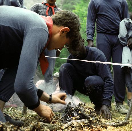 Разведение костра в походе, 1967 год