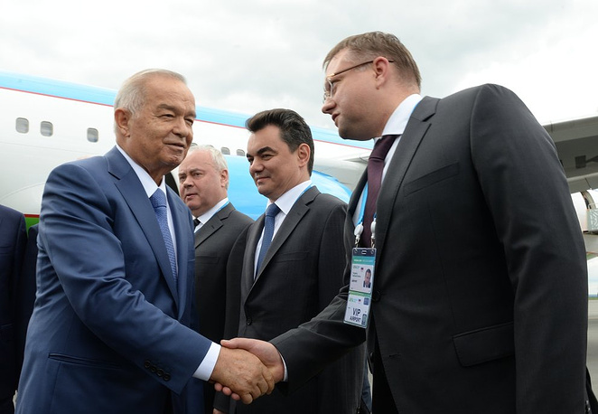 Президент Узбекистана Ислам Каримов (слева)
