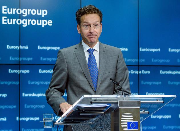 13 июля Йерун Дейсселблум был избран председателем Еврогруппы на второй срок - до конца 2017 года