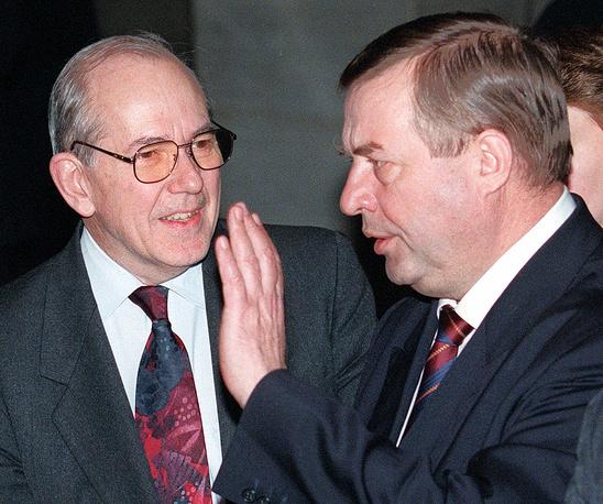 Селезнев на встрече с директором-распорядителем Международного валютного фонда Мишелем Камдессю (слева). Москва, 1999 год