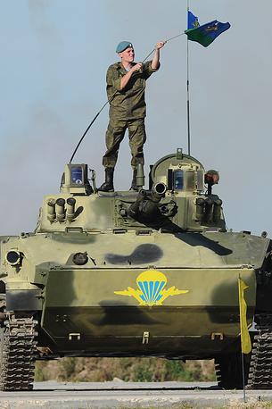 """Десантник """"на броне"""" БМД-4"""