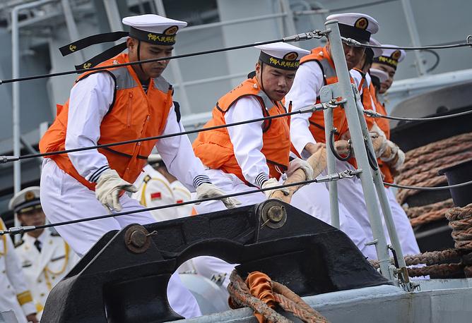 """Моряки эсминца """"Тайчжоу"""""""