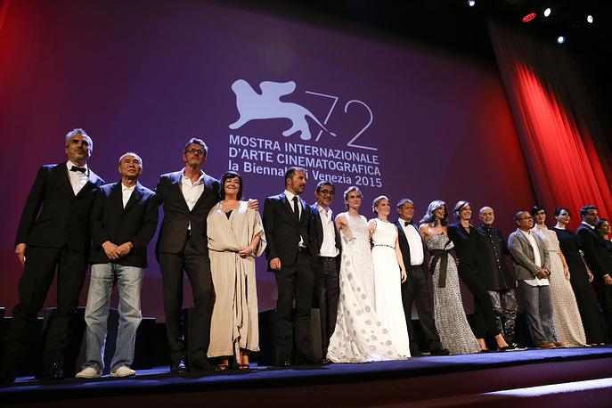 Члены жюри на церемонии открытия 72-го Венецианского кинофестиваля
