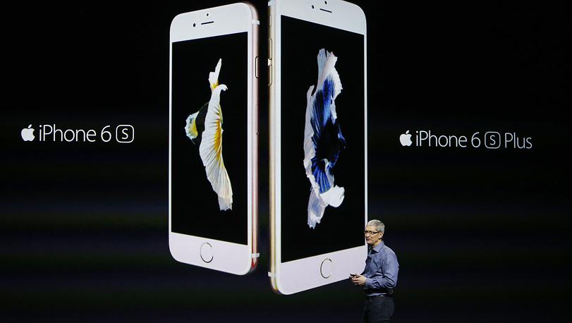 Генеральный директор Apple Тим Кук на презентации iPhone 6S и iPhone 6S Plus