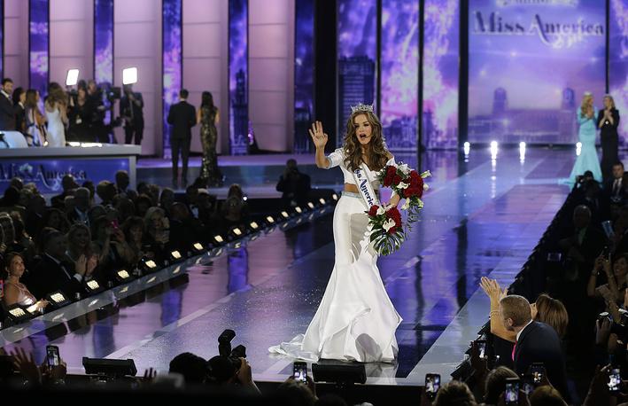 "Победительница ""Мисс Америка - 2016"" Бетти Кэнтрелл"