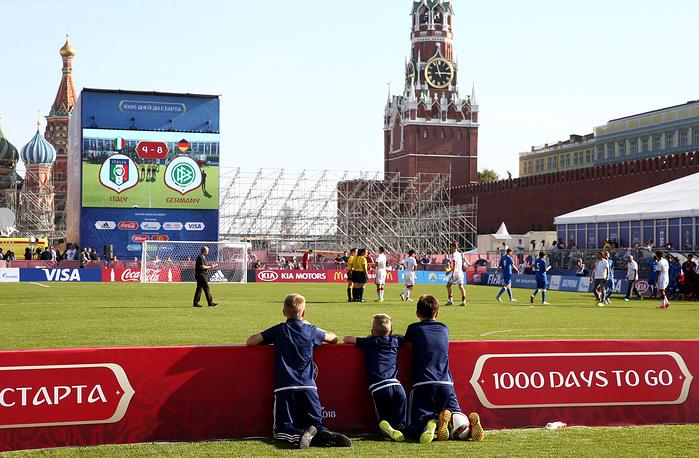 Во время матча между юношескими командами Италии и Германии, который проходил на Красной площади