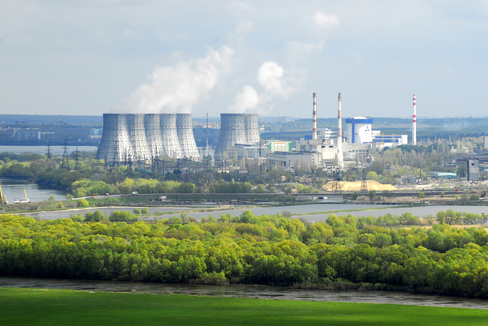 Нововоронежская АЭС близ одноименного города в Воронежской области открыта в 1964 г. В настоящее время функционируют 3 реактора суммарной мощностью 1 тыс. 880 МВт