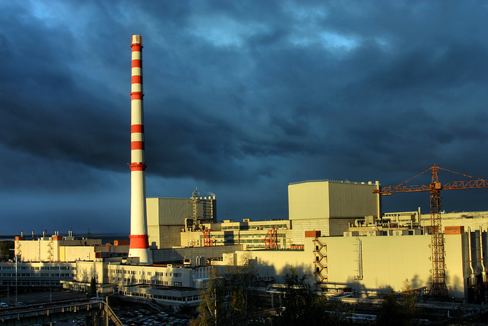 Ленинградская АЭС находится близ г. Сосновый Бор, введена в эксплуатацию в 1973 г. Имеет 4 энергоблока мощностью 1 тыс. МВт каждый