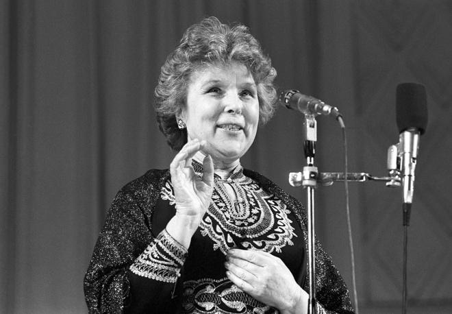 Вера Васильева во время концерта в Колонном зале Дома Союзов, 1987 год
