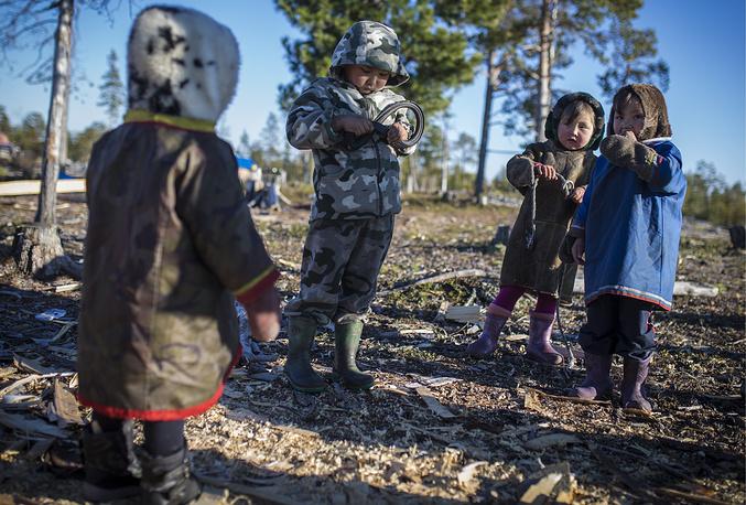 Дети родовой общины Дянки-Кой