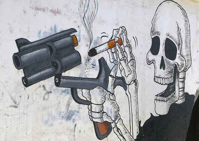 """""""Все вы знаете, что 1 грамм никотина убивает лошадь. У нас страна гуманная, и убивают не лошадей, а людей"""" (пресс-конференция в Москве 29 марта 2007 г.)"""