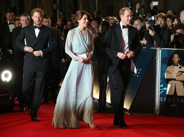 Принц Гарри, герцогиня и герцог Кембриджский