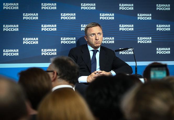 Глава Минобрнауки РФ Дмитрий Ливанов предложил усилить контроль за бюджетами всех уровней в образовательной сфере и сообщил, что в январе сбоев по выплате зарплат педагогам и студенческих стипендий не было