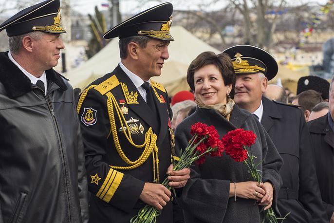 Командующий Черноморским флотом ВМФ РФ Александр Витко и губернатор Севастополя Сергей Меняйло