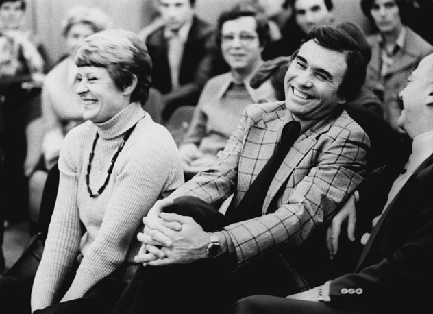 Комментаторы Владимир Маслаченко и Нина Еремина (чемпион мира в составе женской сборной СССР по баскетболу 1959 года) за работой, 1 ноября 1978 года