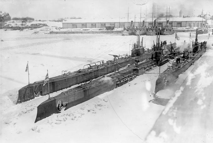 """Подводные лодки типа """"Барс"""": """"Волк"""", """"Барс"""", """"Гепард"""". Ревель. Флот Балтийского моря"""